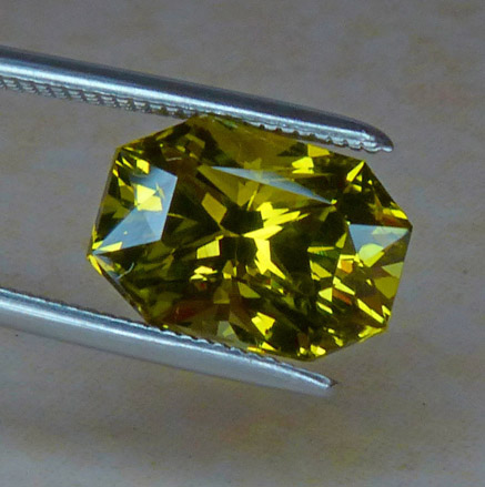 yellow green chrysoberyl