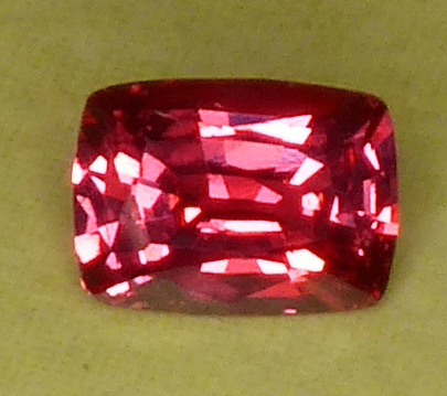 certed salmon pink sapphire