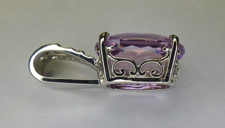 Oceanview Kunzite set into Platinum Pendant - side