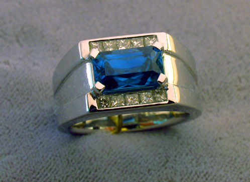 zircon_superbl_mans_ring_fl