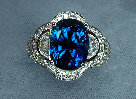 zircon_superbl_womans_ring_fl