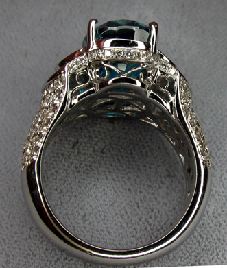 zircon_superbl_womans_ring_profile_fl