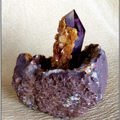 large amethyst single crystal(with enhydro) in geode