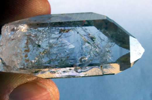 crystal quartz with enhydro