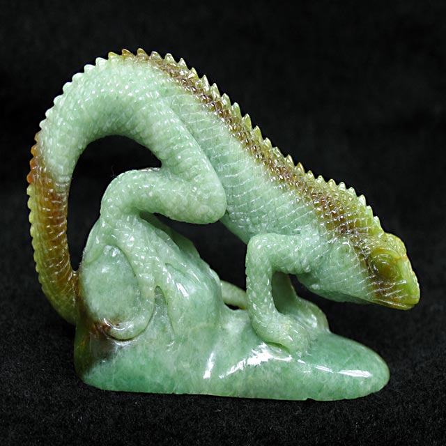 sculpted Burmese jade lizard